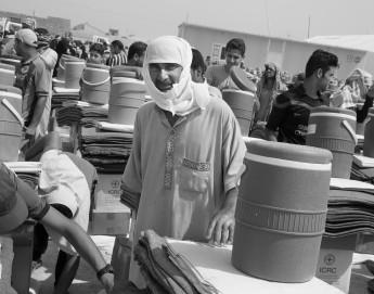 Galería de fotos: en Irak, continúa la distribución de socorros ante nuevos desplazamientos