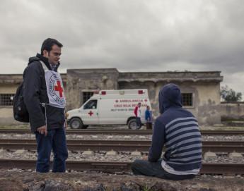 El Movimiento de la Cruz Roja hace un llamado a los Estados ante la creciente indiferencia frente a las necesidades de las personas migrantes