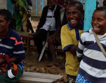 Papúa Nueva Guinea: teatro interactivo como herramienta para disminuir el sufrimiento