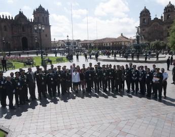 Perú: fuerzas policiales de América analizan cómo reducir el impacto humanitario de la violencia urbana