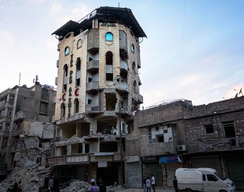 """Syria: """"Nobody wants to live near a hospital in Aleppo"""""""