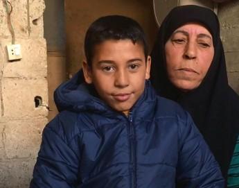Decidida a ganarse la vida ante la llegada del invierno en Siria