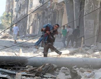 """La situación en Alepo es """"devastadora e incontenible"""", dice la jefa de la delegación del CICR en Siria"""