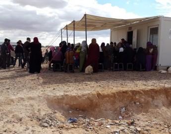 La comunidad internacional debe responder en forma urgente a las necesidades de decenas de miles de personas atrapadas entre Jordania y Siria