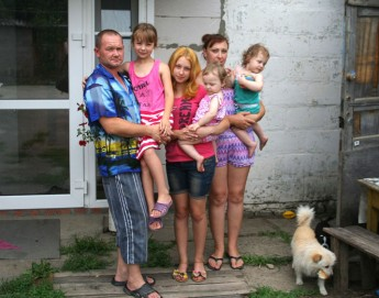 Fédération de Russie : des colis alimentaires pour aider des familles ukrainiennes à garder espoir