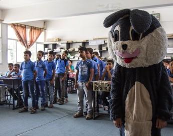 Веселые уроки в школах Газы могут спасти детям жизнь