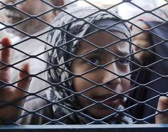 Yemen: las fronteras cerradas interrumpen los servicios de agua potable y saneamiento; aumenta el riesgo del cólera
