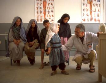 Rehabilitación física en Afganistán: en 30 años, casi 178.000 personas recibieron ayuda