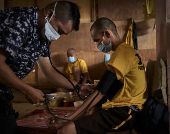 新冠肺炎疫苗:确保受武装冲突影响的民众不被遗忘