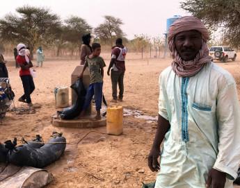 Mali : la construction d'un point d'eau soulage des déplacés à Kidal
