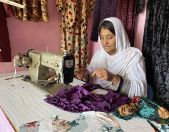 Afghanistan: Learning new trade to be mother, father, breadwinner