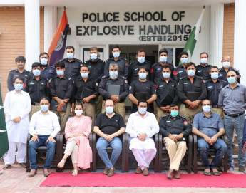 Pakistan: Training the police in safer handling of explosives