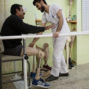 مساعدة الأشخاص ذوي الإعاقة