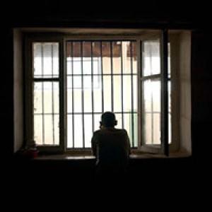 زيارة المحتجزين
