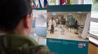 """Exposition de photos """"les soins de santé en danger"""" à SHAPE, OTAN"""