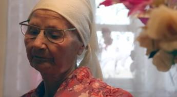 Украина: одинокие старики и инвалиды в зоне конфликта постоянно нуждаются в помощи