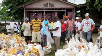 Colombia: llega la ayuda para afectados por derrame de crudo