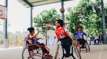 柬埔寨:新屋顶帮助轮椅篮球运动员开启东京之行