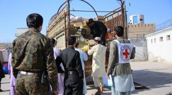 阿富汗:严冬降临,在押人员获得援助