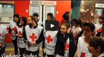 Chile: tren humanitario recorre los caminos subterráneos de Santiago