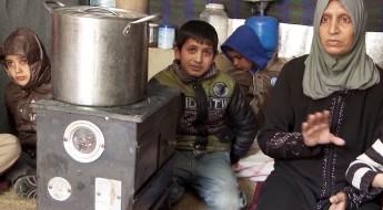 Líbano: refugiados sírios passam quinto inverno longe de casa