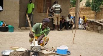 尼日利亚:乌罗达迪的家家户户获得种子和农业投入以重建家园