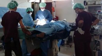 Cirujano mexicano atiende a heridos en diversas partes del mundo