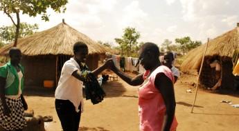Hilfe für südsudanesische Flüchtlinge in Uganda bei der Familiensuche