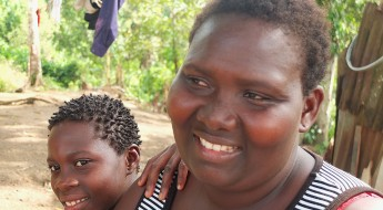 !Jenneh with daughter Jamiyatu (12).