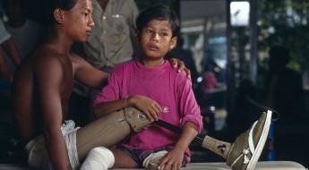 !1997年:禁止杀伤人员地雷