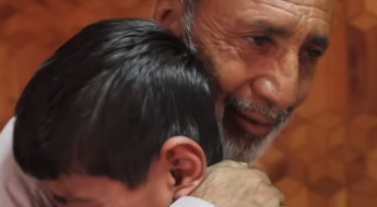 Afghanistan / Pakistan: Parents' anguish turns to joy on seeing their children again