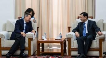 """中国:""""当前国际安全环境下人道行动的挑战""""研讨会"""