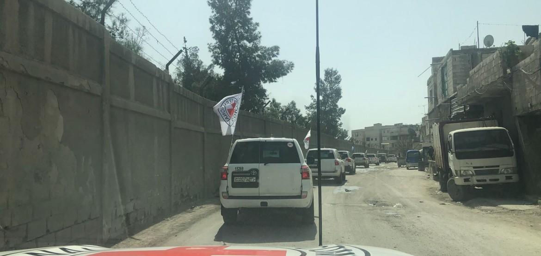 سورية: الدفعة الأولى من المساعدات الضرورية تصل إلى العالقين في الغوطة الشرقية