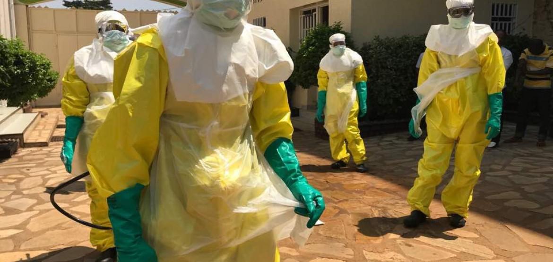 Surto de ebola: combate à doença em uma zona de conflito