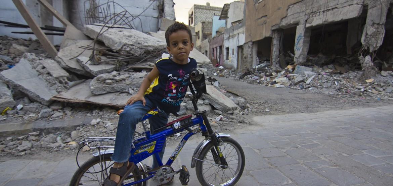 Infância interrompida: o impacto do conflito nas crianças do Iêmen