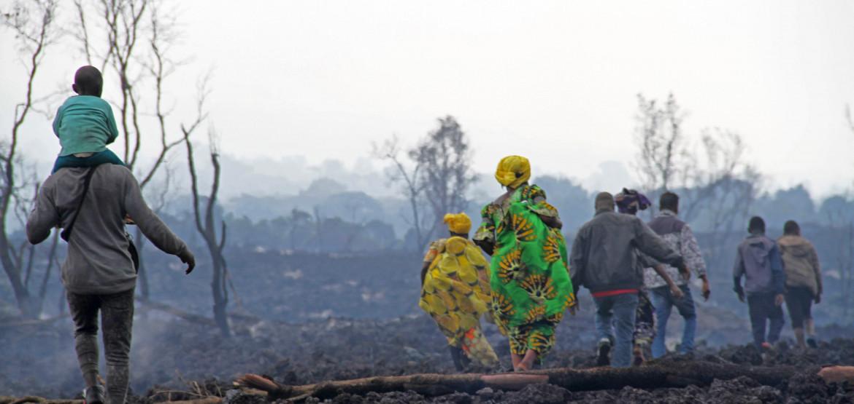 ДРК: опасаясь нового извержения, жители Гомы бегут на фоне назревающего гуманитарного кризиса