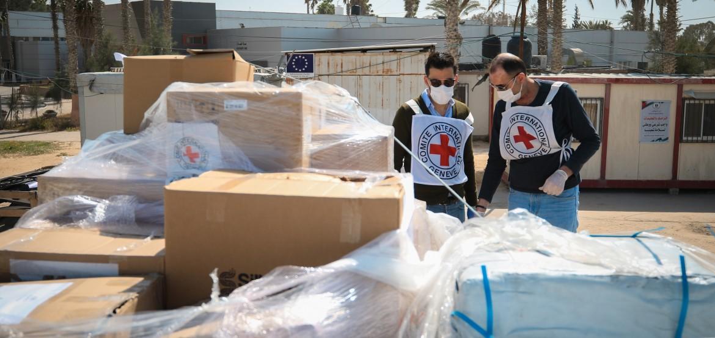 COVID-19: o CICV doa equipamento de terapia intensiva vital para Gaza