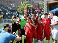 Ukraine: Conflict-affected children had a ball with football star Gaizka Mendieta