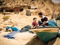 在家住院:加沙民众勉力救治伤者