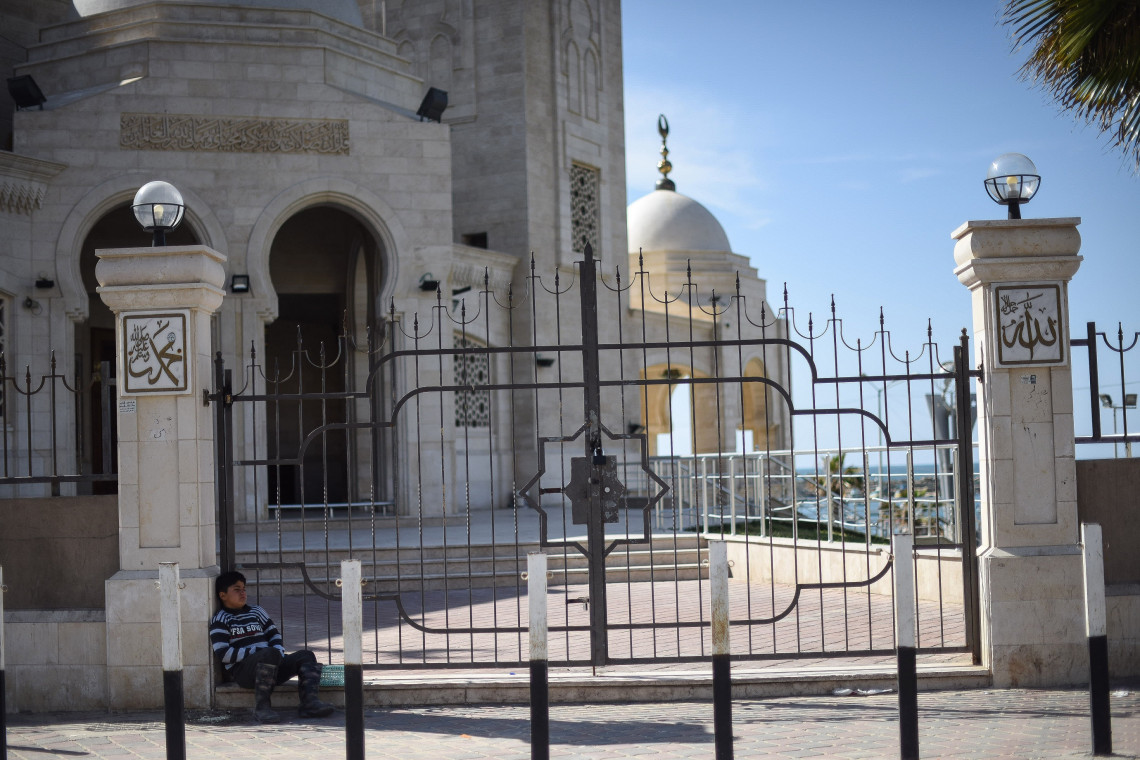 Religious leaders and ICRC using Islamic teachings to fight the spike of COVID-19 in Gaza