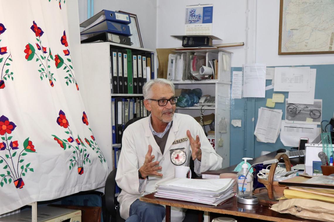 Alberto Cairo dirige le programme orthopédique du Comité international de la Croix-Rouge (CICR) en Afghanistan.