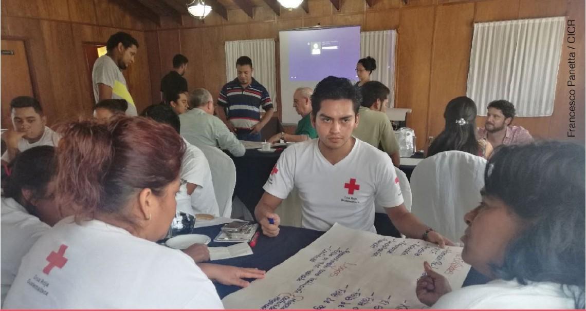 Guatemala: coordinaciones con la Cruz Roja Guatemalteca para el fortalecimiento de las capacidades de voluntarios y personal de la institución