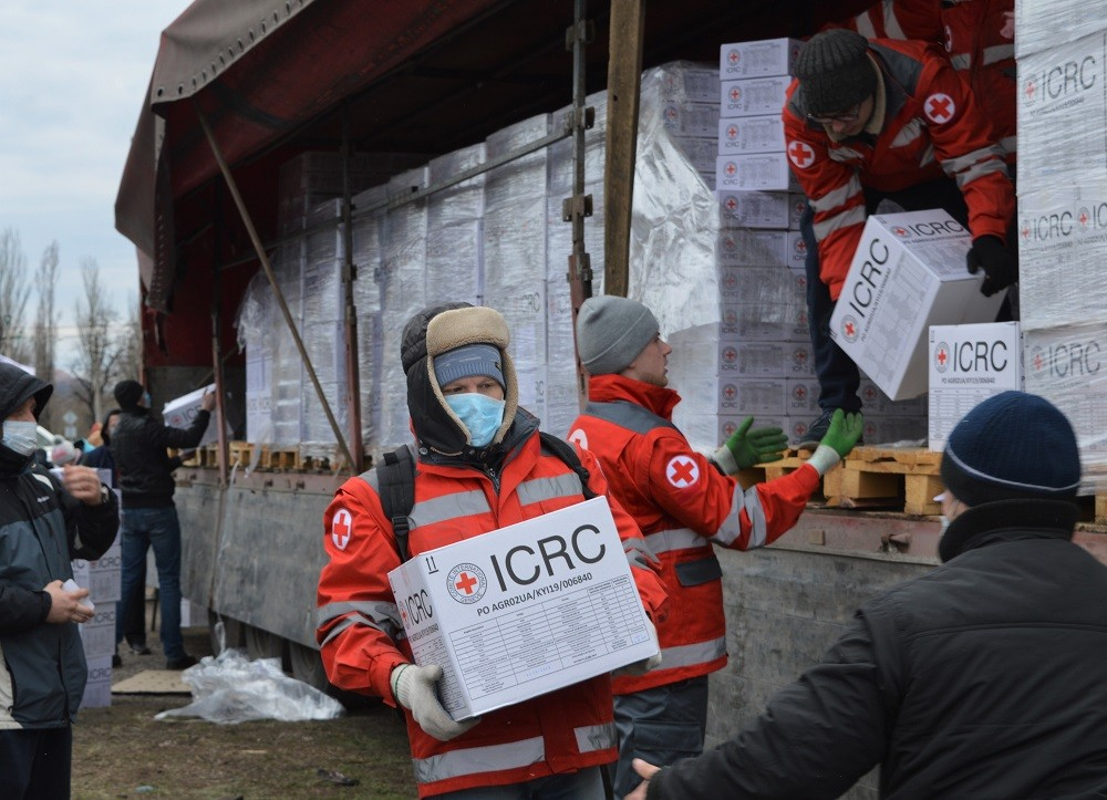 The ICRC in Ukriane continues its work supporting population affected by conflict and threatened by the COVID-19 pandemic. Svitlana KUZNETSOVA/ICRC