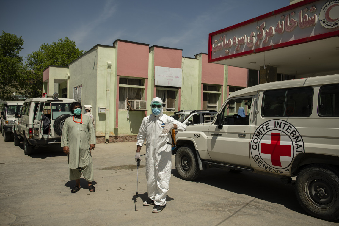 The recent rise in violence in Afghanistan, along with the outbreak of COVID-19, threatens to reduce access to health services for millions of Afghans