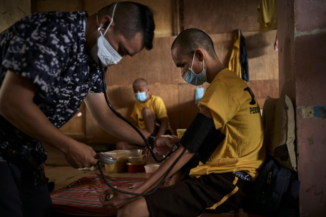 A vacina para a Covid-19 deve ser disponibilizada para as comunidades em conflitos armados e situações de violência.