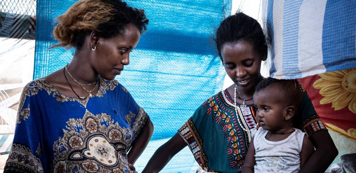 Hamdayet, Centro de Recepção de Fronteira: Uma refugiada etíope, Million, 24, que está grávida de nove meses e aguardava para ver o médico do Crescente Vermelho Sudanês. Foto: O.Jobard/CICV