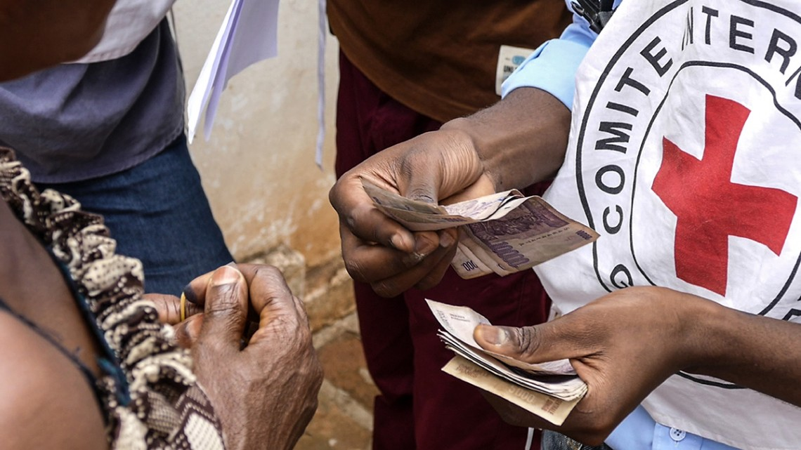 Demokratische Republik Kongo: Barhilfe für aus Angola abgeschobene Kongolesen