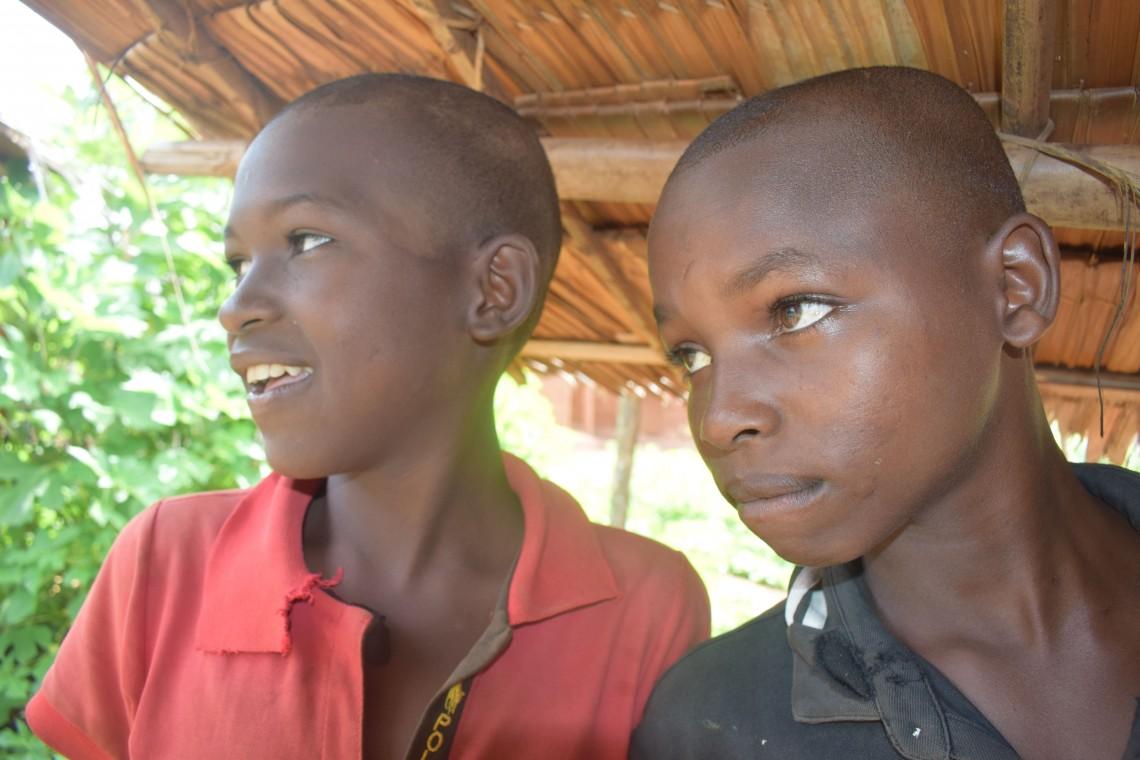 Mikaila et Bouba, heureux d'être enfin auprès de leurs proches. CC BY-NC-ND / CICR