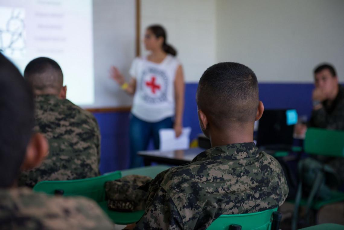 México y América Central: más de 4.000 personas en América Latina reciben formación del CICR sobre uso de la fuerza