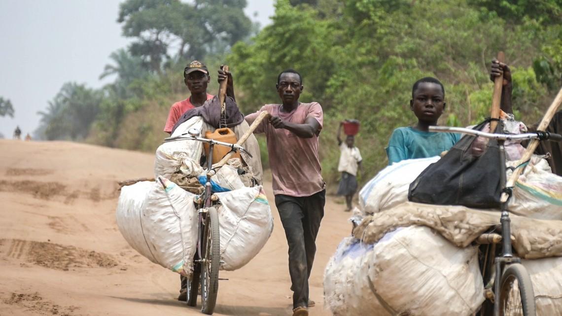 Demokratische Republik Kongo: Geschäfte per Velo